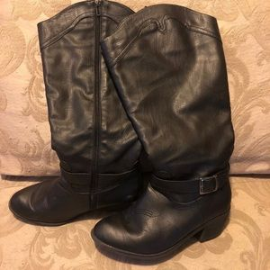 Woman's size 8.5 wide calf knee high boots